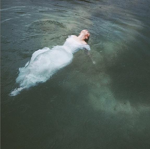 Alixann Loosle Photography Instagram