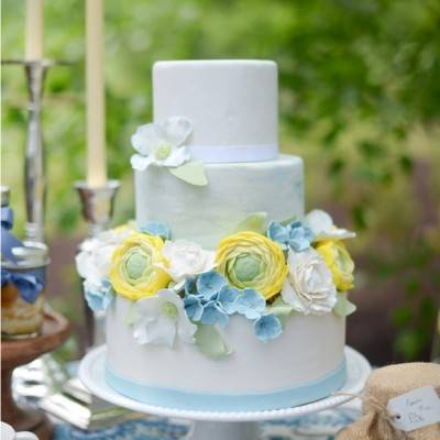 Let Love Grow: Blue + Yellow Country Chic Bridal Inspiration