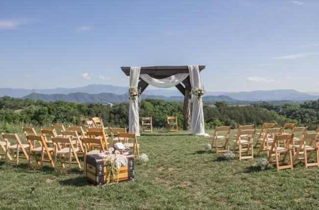 DIY Wedding in the Smoky Mountains {Star Noir Studio} 10