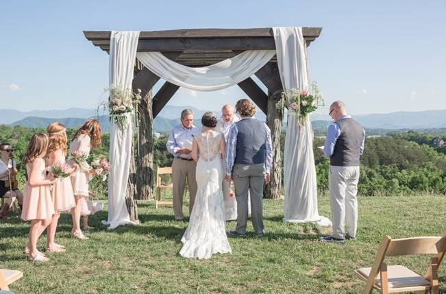 DIY Wedding in the Smoky Mountains {Star Noir Studio} 13