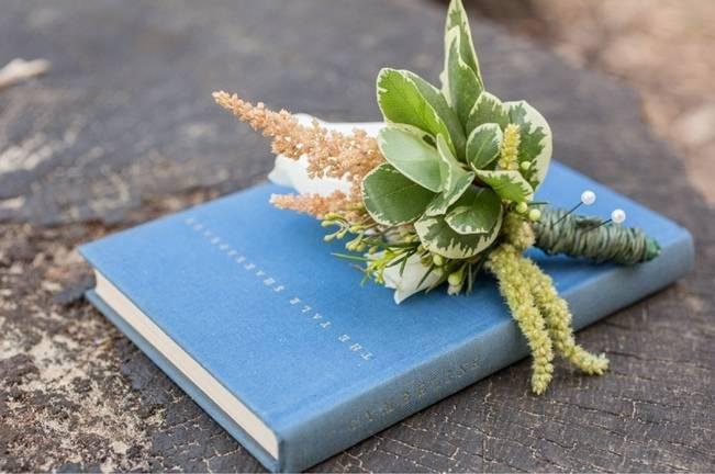 Peach and Teal Vintage Book Themed Wedding Inspiration {Star Noir Studio} 12