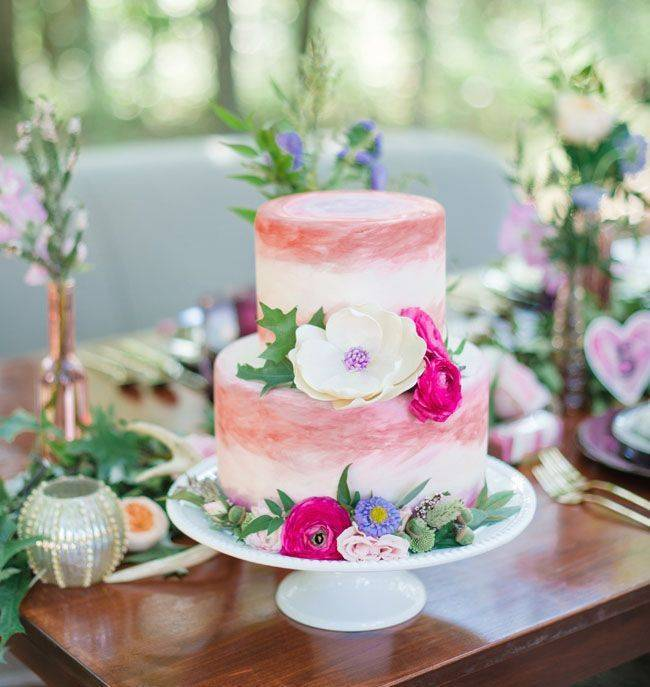 Watercolor wedding cake pink via pinterest