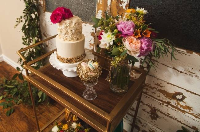 Colorful + Bright Styled Shoot {Thompson Pictures} 11