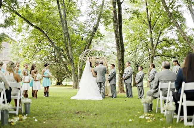 Southern Vintage Barn Wedding at Starrsville Plantation {Andie Freeman Photography} 16