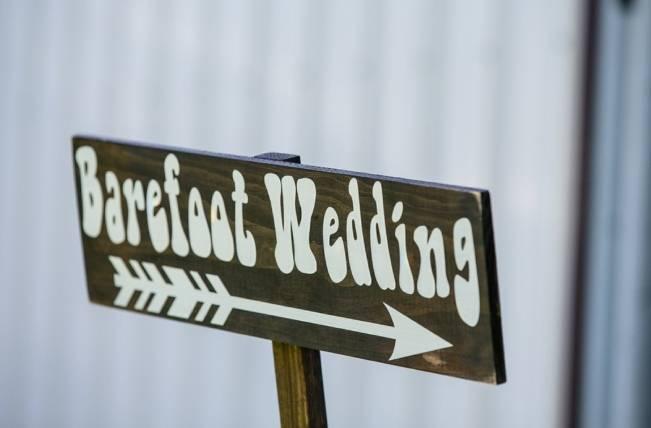 DIY Barefoot Summer Wedding {M and E Photo Studio} 12