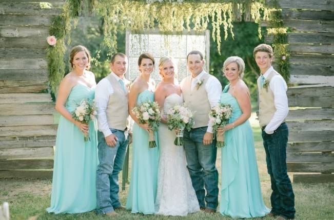 Light Blue Country Wedding With Rustic And Diy Details 11