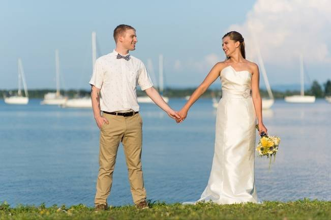 Love Sets Sail Vermont Lakeside Wedding Inspiration 12