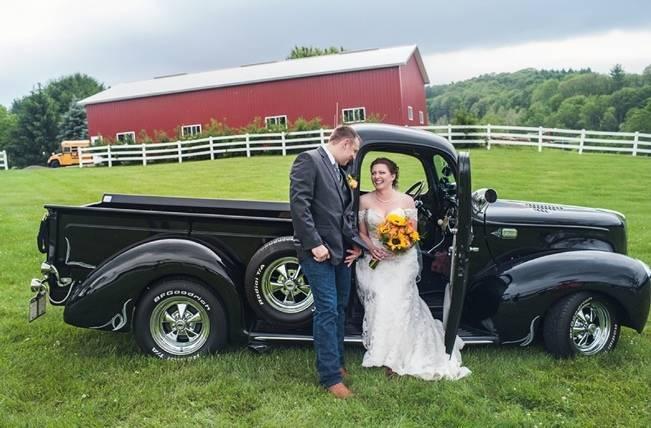 Rustic Pennsylvania Sunflower Wedding at Friedman Farms 12