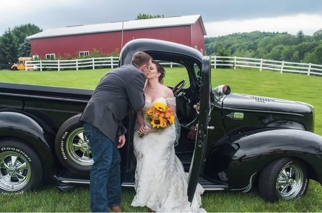 Rustic Pennsylvania Sunflower Wedding at Friedman Farms 13