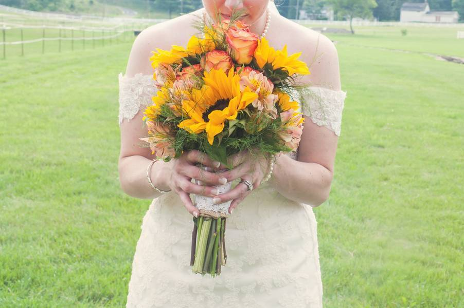 Rustic Pennsylvania Sunflower Wedding at Friedman Farms 14