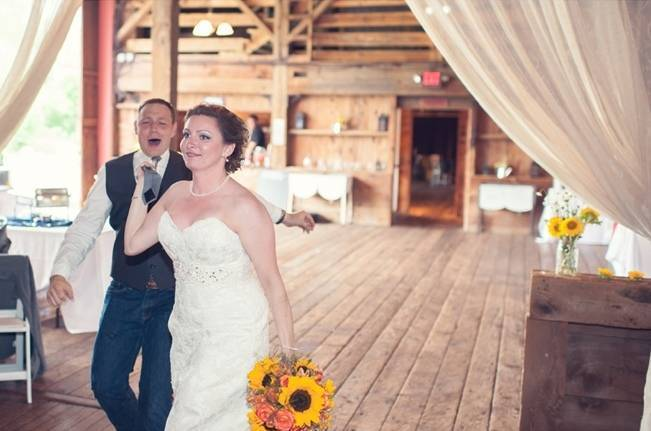 Rustic Pennsylvania Sunflower Wedding at Friedman Farms 20