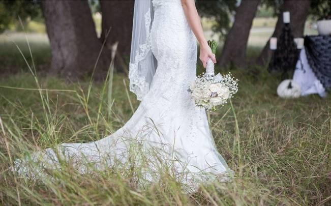 Fall Harvest + Halloween Wedding Inspiration {Shelly Taylor Photography} 3