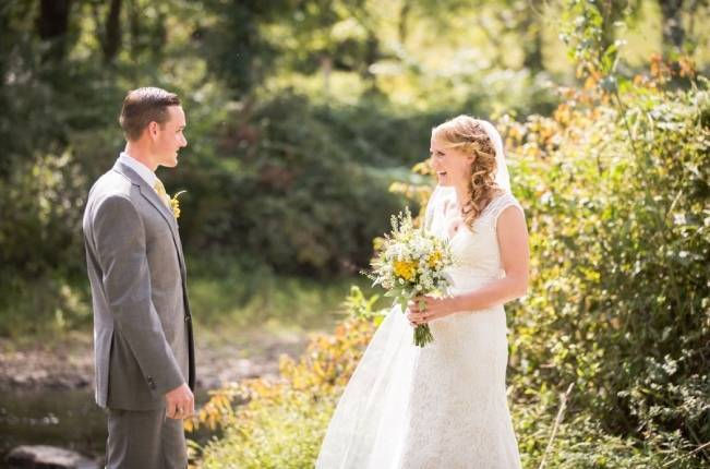 Rustic Outdoor Yellow and Grey Wedding {Idalia Photography} 10