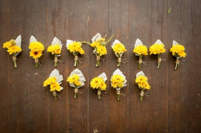 Rustic Outdoor Yellow and Grey Wedding {Idalia Photography} 6