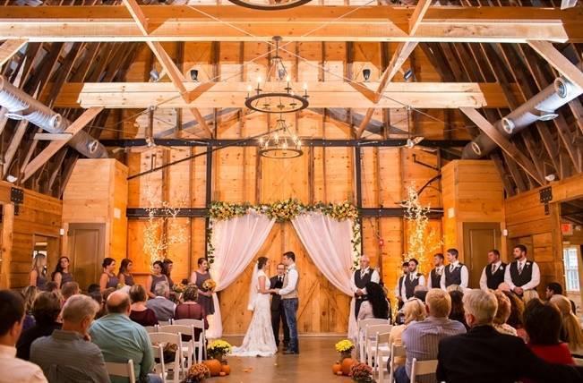 Autumn Country Barn Wedding at 9 Oaks Farm, Georgia {Claire Diana Photography} 14