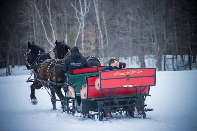 Snowy Winter Wedding in Vermont {Kathleen Landwehrle Photography} 17