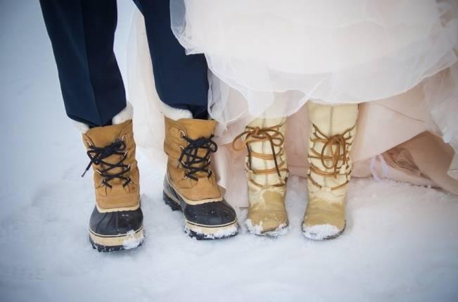 Snowy Winter Wedding in Vermont {Kathleen Landwehrle Photography} 9