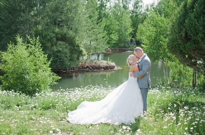 Yellow Blue Utah Wedding At Red Cliff Ranch Ivy Stone