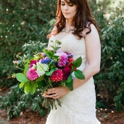 Beautiful Outdoor Oregon Wedding Reception at Ron's Pond