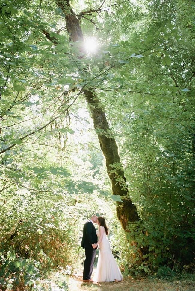 Beautiful Outdoor Oregon Wedding Reception at Ron's Pond {Kel Ward Photography} 6