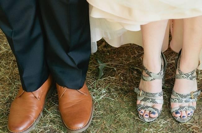 Beautiful Outdoor Oregon Wedding Reception at Ron's Pond {Kel Ward Photography} 9