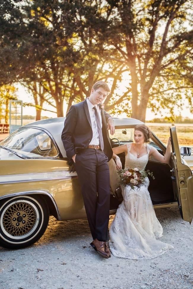 Elegant Fall Barn Wedding at Vintage Oaks Ranch {Shelly Taylor Photography} 1