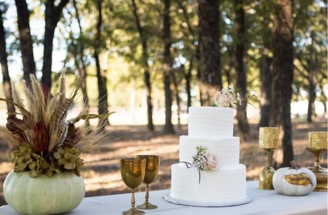 Elegant Fall Barn Wedding at Vintage Oaks Ranch {Shelly Taylor Photography} 10