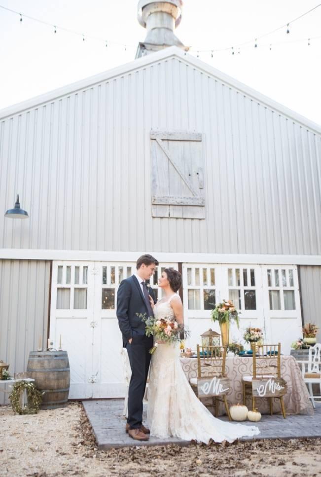 Elegant Fall Barn Wedding at Vintage Oaks Ranch {Shelly Taylor Photography} 12