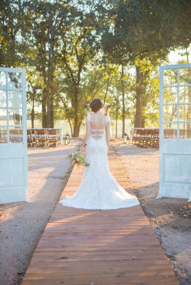 Elegant Fall Barn Wedding at Vintage Oaks Ranch {Shelly Taylor Photography} 6