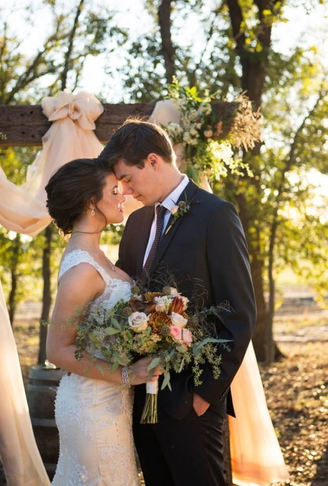 Elegant Fall Barn Wedding at Vintage Oaks Ranch {Shelly Taylor Photography} 8