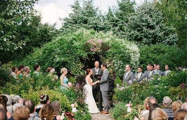 Garden Wedding at Southern Exposure Herb Farm {Allie Siarto Photography} 11