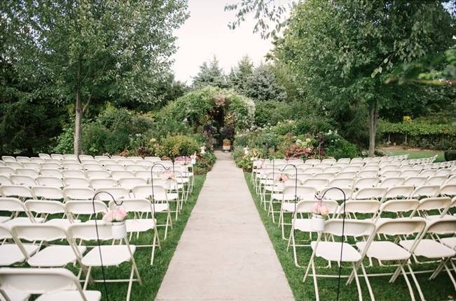 Garden Wedding at Southern Exposure Herb Farm {Allie Siarto Photography} 22