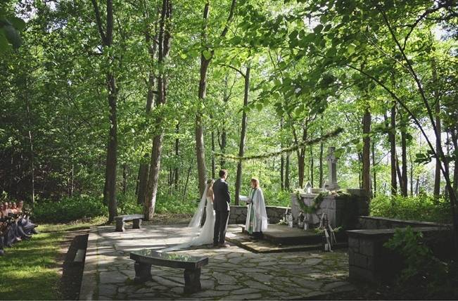 Boho Chic Vermont Wedding at Bolton Valley - Birke Photography 12