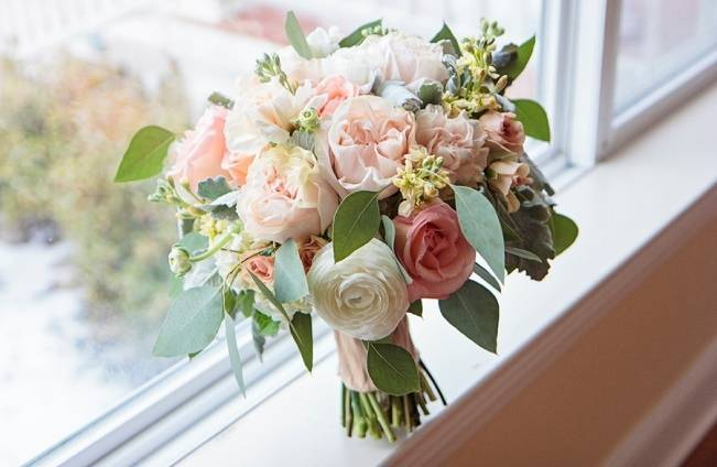 Peach + Gold Early Spring Wedding Inspiration 1