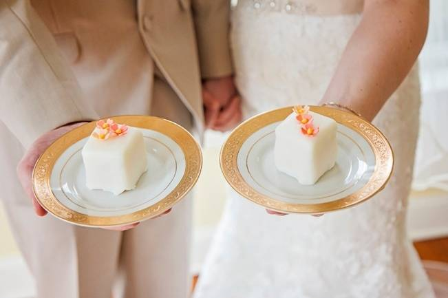 Peach + Gold Early Spring Wedding Inspiration 12