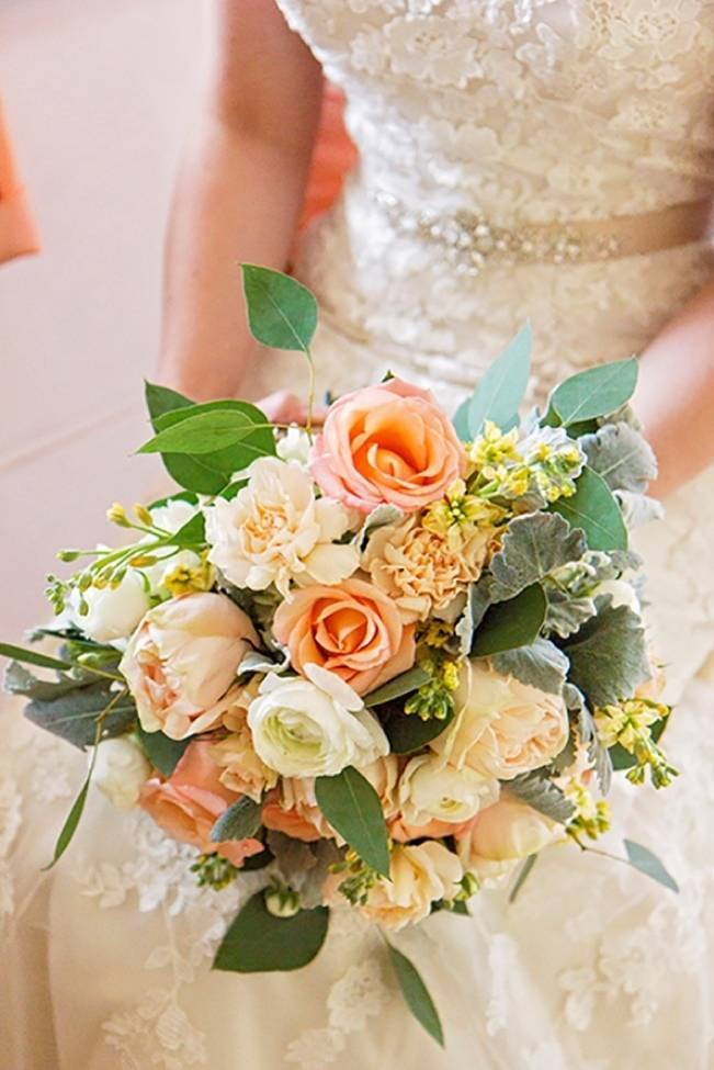 Peach + Gold Early Spring Wedding Inspiration 3