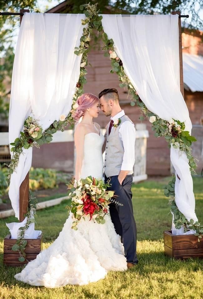 Rustic Glam Inspired Wedding at Webster Farm – The Amburgeys 13