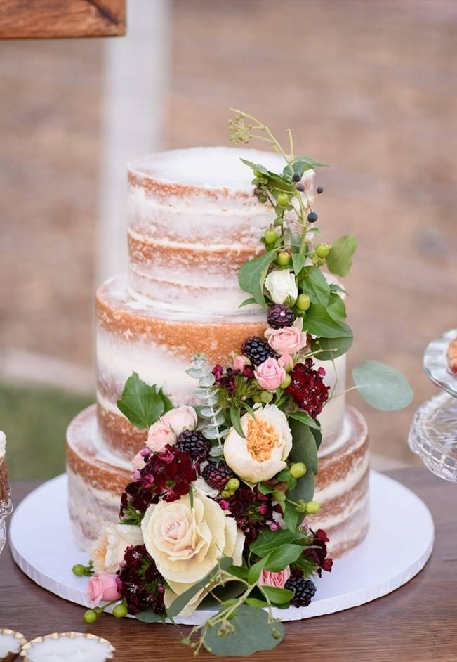 Rustic Glam Inspired Wedding at Webster Farm – The Amburgeys 16