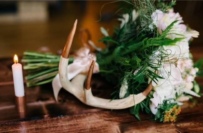 Rustic Wisconsin Inspired Wedding Style at Maidenwood Lodge 11
