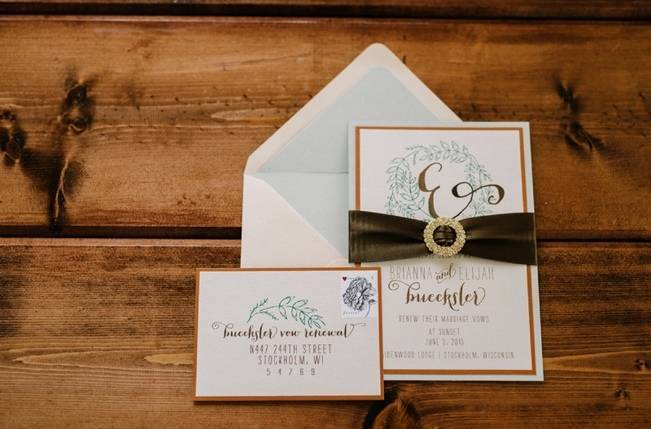 Rustic Wisconsin Inspired Wedding Style at Maidenwood Lodge 19