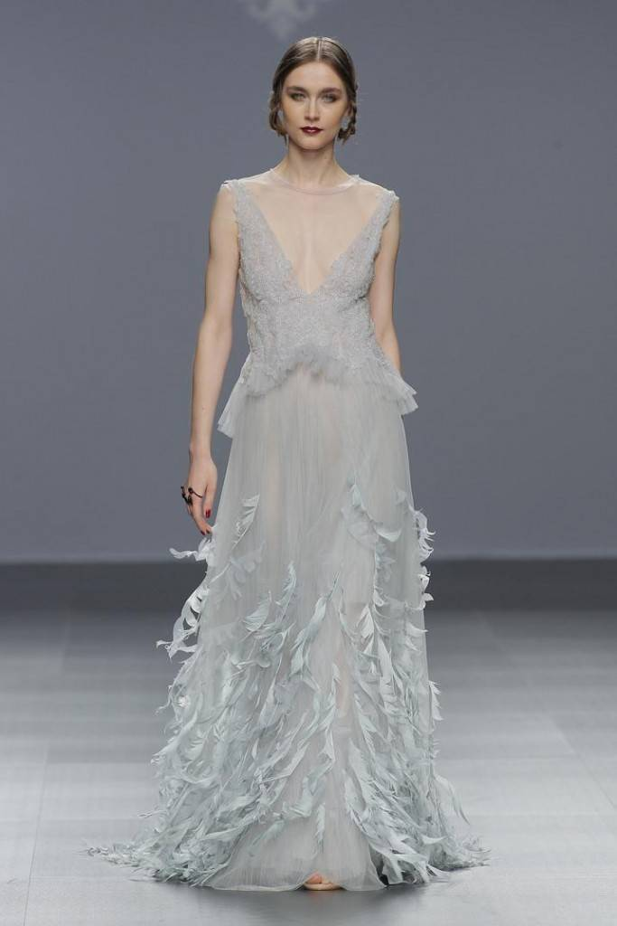 marco-y-maria-2016-bridal-collection-wedding-gowns-thefashionbrides13