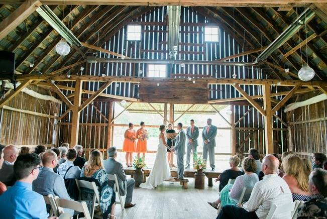 Rustic + Bright Wisconsin Wedding at the Enchanted Barn 11