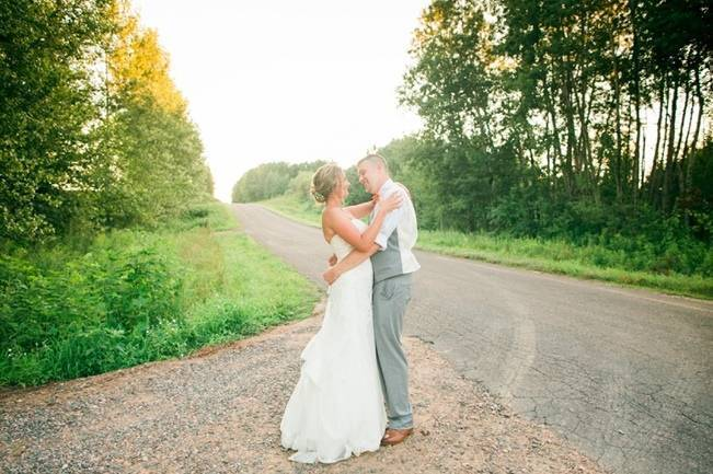 Rustic + Bright Wisconsin Wedding at the Enchanted Barn 16
