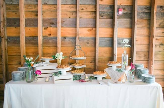 Romantic Vermont Wedding at West Monitor Barn - amy donohue photography 22
