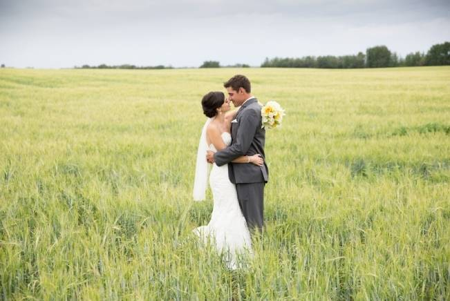 Yellow and Grey Prairie Wedding in Alberta, Canada 13