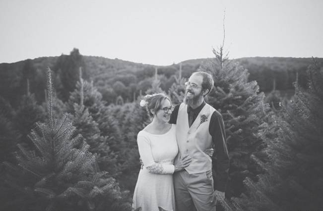 Folksy Supermoon Farm Wedding in Vermont 30