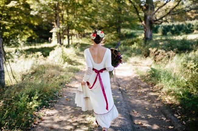 Folksy Supermoon Farm Wedding in Vermont 9