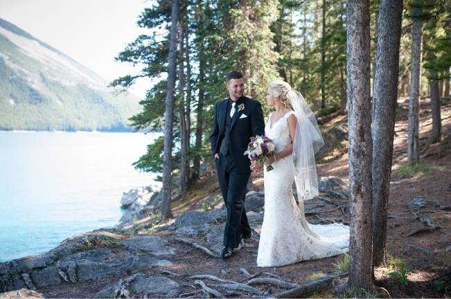 Plum & Nude Rustic Mountain Wedding – Melanie Bennett Photography 11