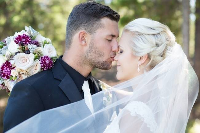 Plum & Nude Rustic Mountain Wedding – Melanie Bennett Photography 12