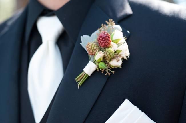 Plum & Nude Rustic Mountain Wedding - Melanie Bennett Photography 13